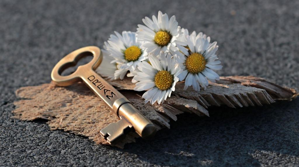 key-3087900_1280